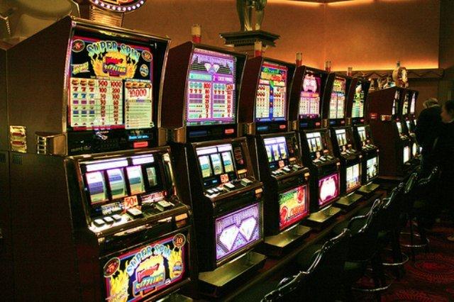 Игровые автоматы на официальном сайте Рокс казино