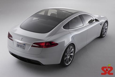Panasonic инвестирует  млн в Tesla