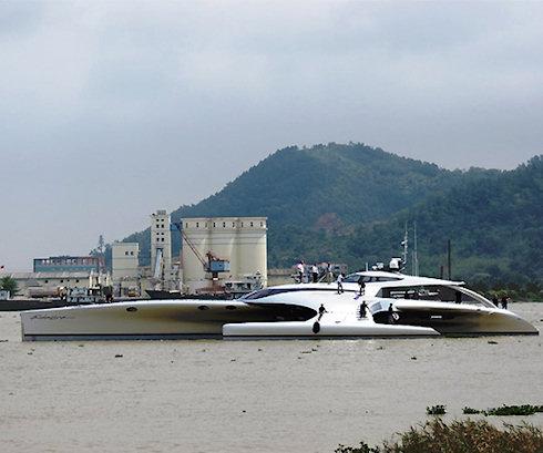 Яхта Adastra управляется с iPad