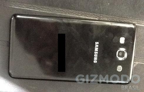 Свежие снимки Samsung Galaxy S III