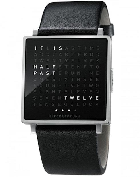 Часы QLOCKTWO W: читаем время