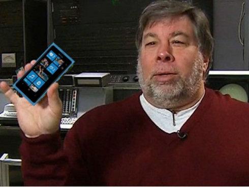 Стив Возняк в восторге от нового смартфона на Windows Phone