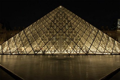 Лувр осветят светодиодами