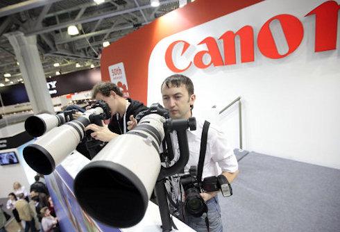 Роботы будут делать фотоаппараты Canon