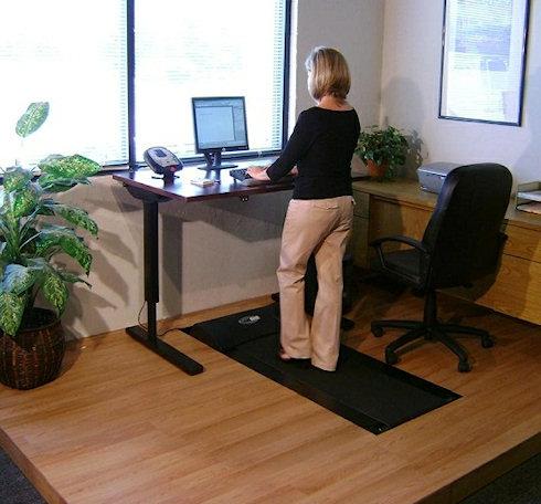 Tread Desk - беговая дорожка для компьютерщиков