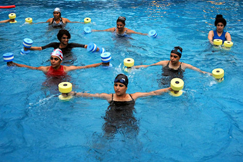 Лучшие комплексы упражнений в воде