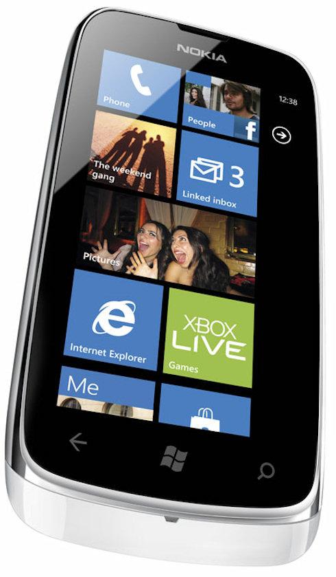 Nokia наладит производство дешевых WP-смартфонов