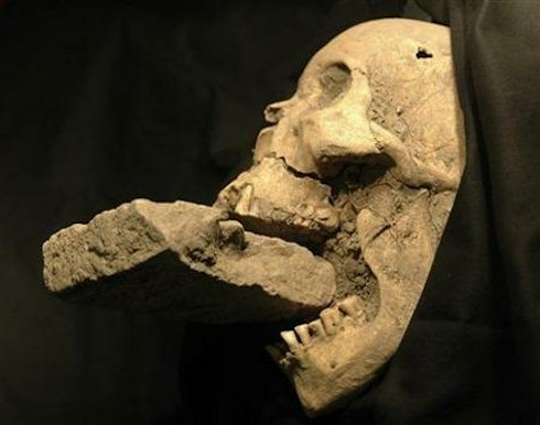 Найден скелет вампира, датируемый 15 веком