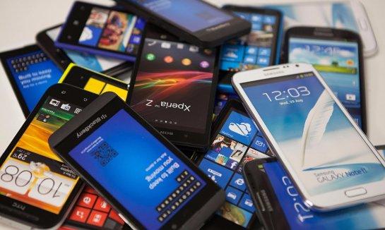 BlackBerry уменьшает выпуск смартфонов