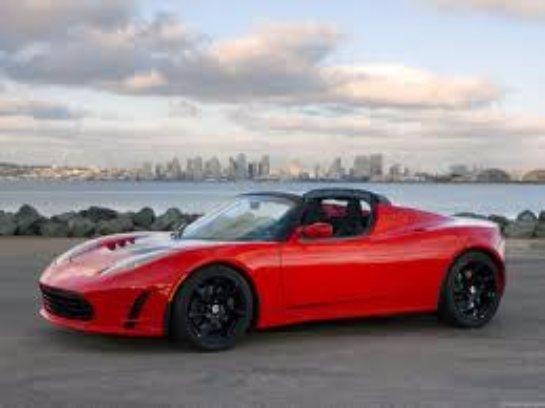 Tesla планирует презентовать новый Roadster в 2019 году