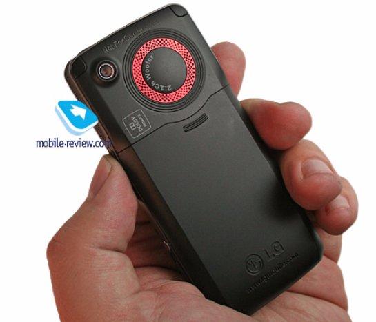 Один из телефонов LG был оснащен сабвуфером