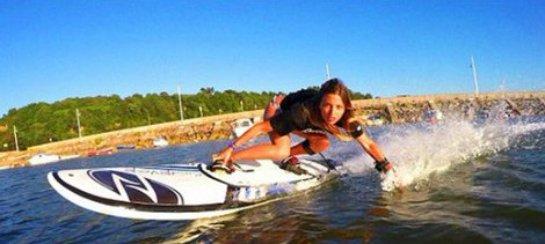 Испанцы изобрели доску для серфинга с мотором