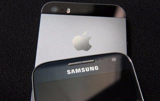 Корпорация Samsung собирается бесплатно раздавать смартфоны владельцам iPhone