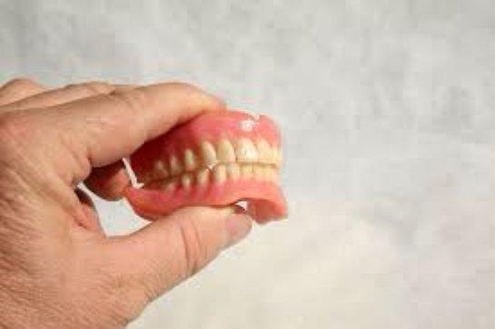 Использование мягких зубных протезов в стоматологии