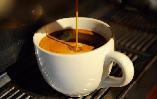 Ученые выяснили, когда полезно пить кофе ночью