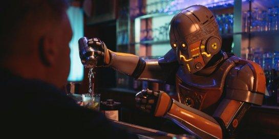 Робота-бармена научили взаимодействовать с клиентами