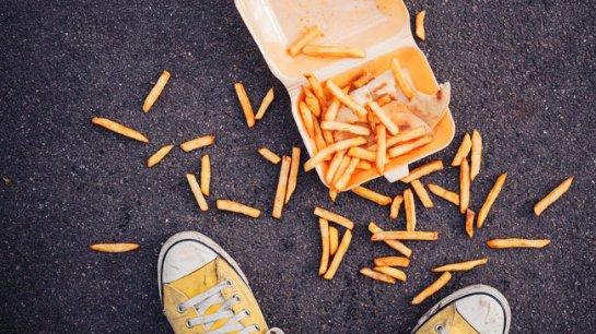 Упавшую на пол еду можно есть