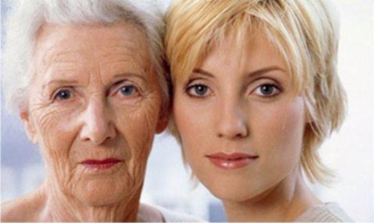 Ученые рассказали, когда женщины начинают бояться старости