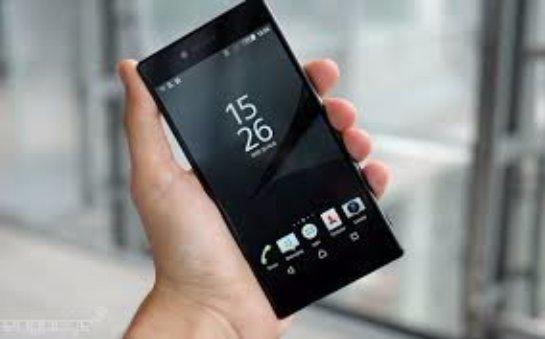 Sony анонсировала в Европе новый смартфон Xperia Z5 Premium