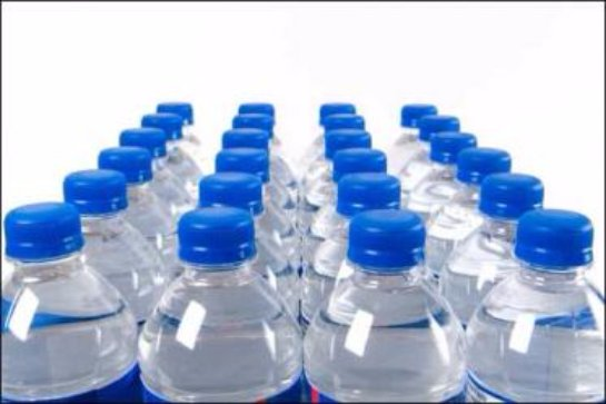 Вода их пластиковых бутылок приводит к мигрени