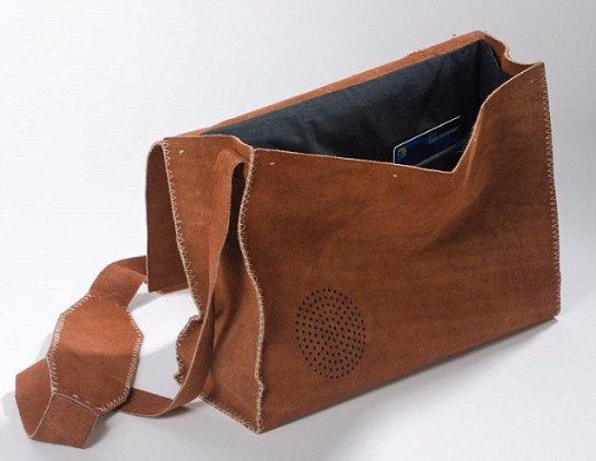 Студенты придумали сумку, которая может экономить деньги своего владельца