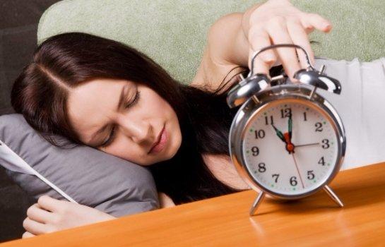 Ученые объяснили, почему вредно долго спать в выходные дни