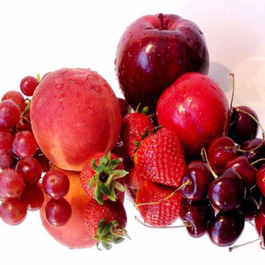 Красные ягоды помогают бороться с морщинами