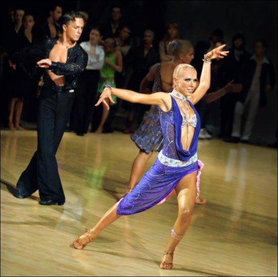 Ученые выяснили, что танцы полезнее занятий в спортивном зале