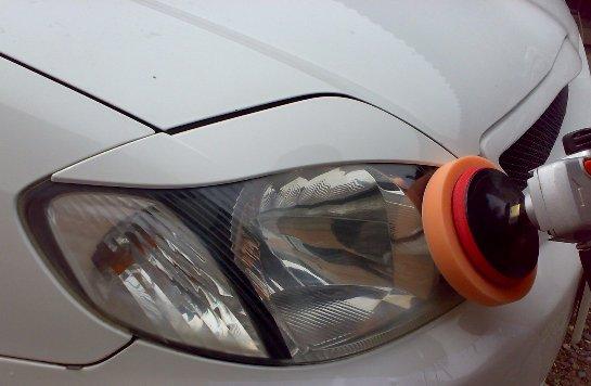 Качественное обслуживание автомобиля: полировка фар