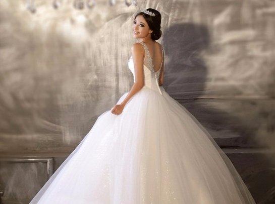 Свадебные платья и аксессуары для милых невест