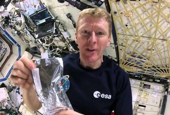Астронавт рассказал, как приготовить кофе в условиях невесомости (ВИДЕО)