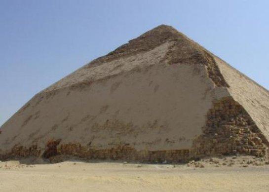 Ученые знают, как заглянуть вовнутрь Ломаной пирамиды