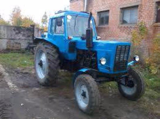 Россиянин пытался ограбить банкомат с помощью трактора