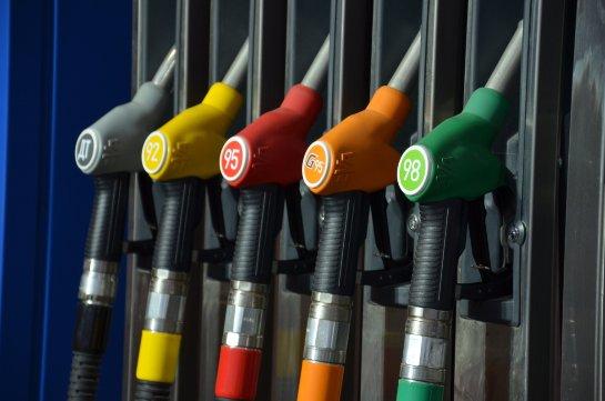 Политолог: Тяжелые времена наступили для украинских бензиновых олигархов