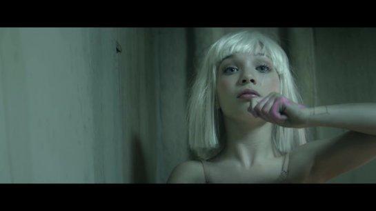 Хит сети: зажигательный танец отца и дочки под Sia «Chandelier». Видео