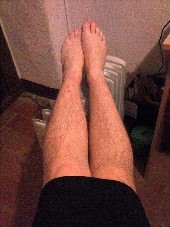 «Даешь волосатые ноги!»: женщины вступают в «Клуб волосатых ног»