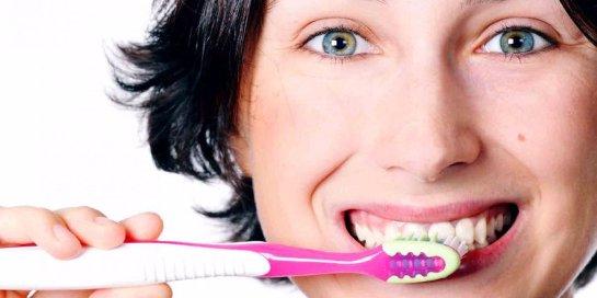 После еды чистить зубы не нужно!