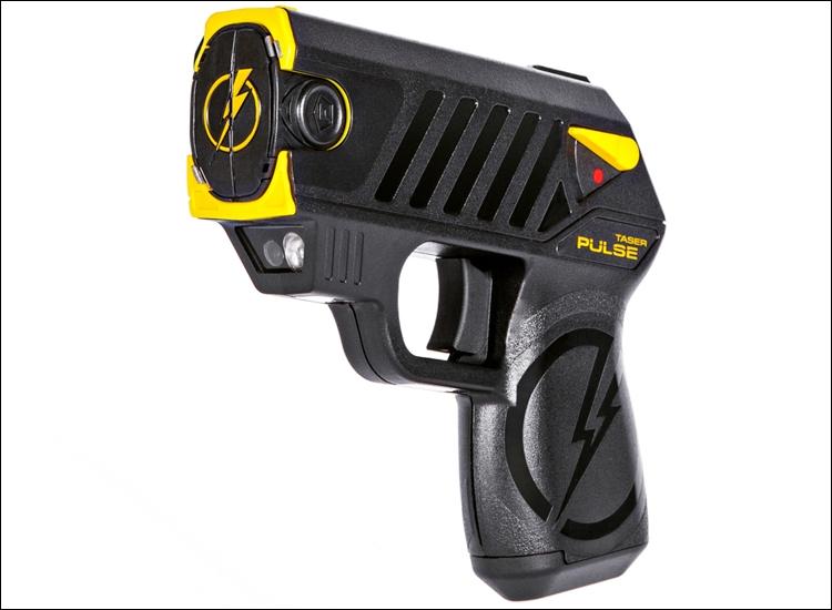 Taser Pulse: электрошоковое оружие для гражданских лиц