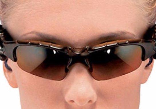 Японцы придумали «умные» очки для незрячих