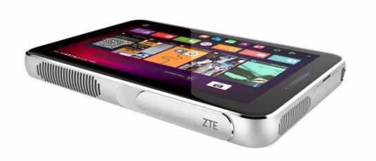 ZTE Spro Plus —  гибрид планшета и проектора