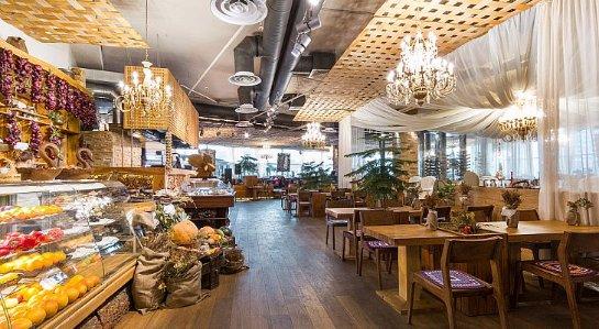 Сказочный ресторан в Санкт-Петербурге: с Бабой Ягой и домашними дерунами