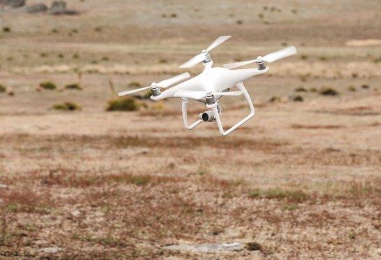DJI Phantom 4- необычная летающая камера