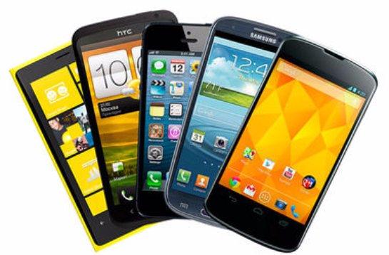 Поставки смартфонов в Украину заметно сократились