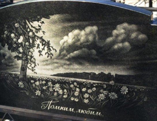 Оформление детского надгробия рисунками