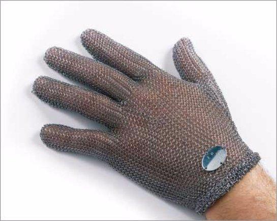 Кольчужные перчатки – надежная защита рук во время физического труда
