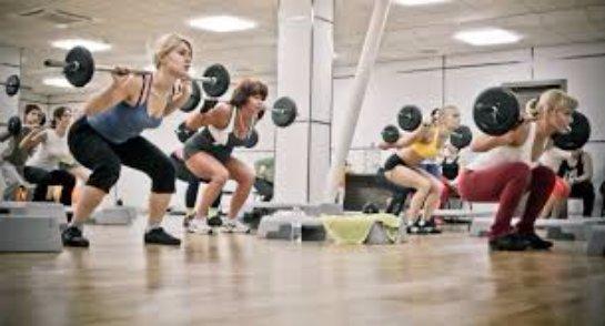Популярные виды фитнеса: аэробика, бодибилдинг, кроссфит