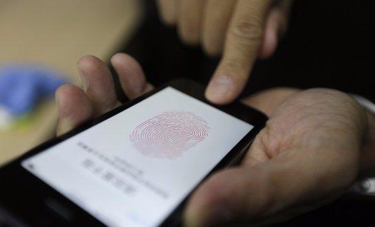 Смартфоны с датчиками отпечатков пальцев оказались не такими уж и надежными