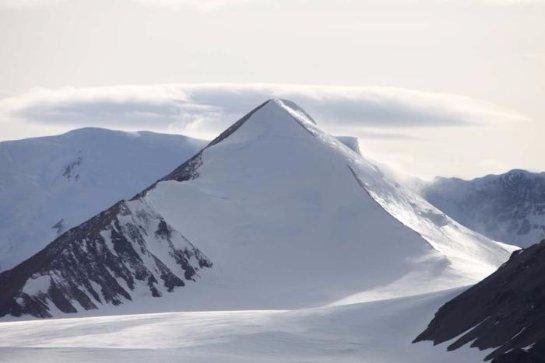 В Антарктиде тоже есть пирамиды