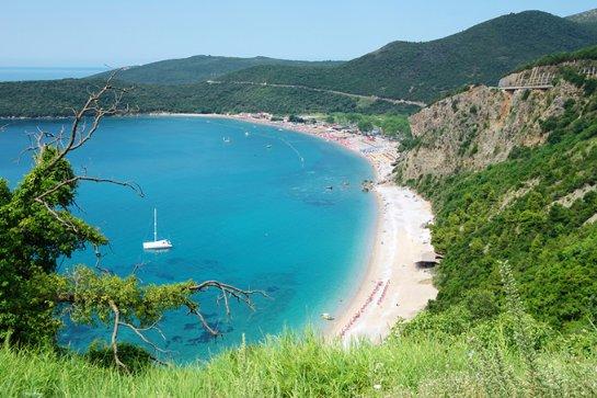 Известные песчаные пляжи Черногории