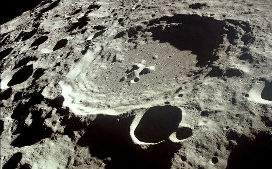 На Луне появляются новые кратеры